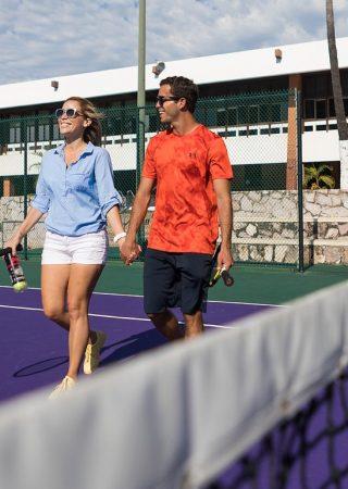 Disfrute de nuestra variedad de actividades deportivas y clases.